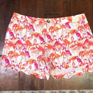 Flamingo shorts with scalloped bottom